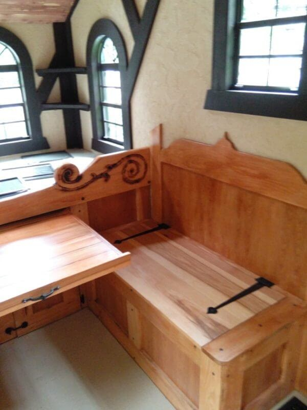 06-Detailed-Carpentry-Steve-Auth-Woolywagons-Tiny-House-The-Tudor-Cottage-Architecture