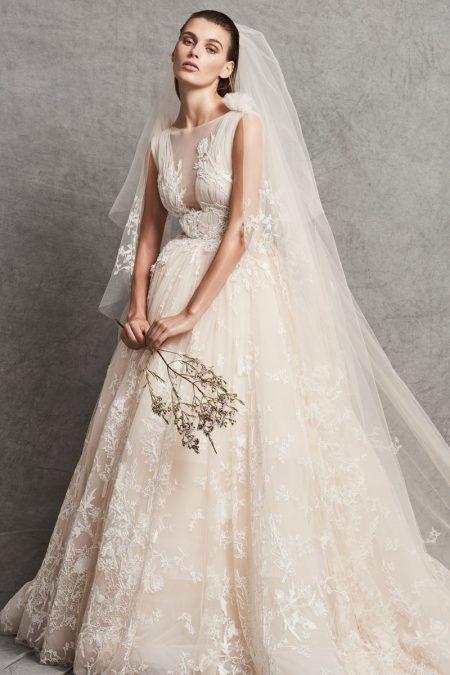 0549df1387 Fantasy Fashion Design  La colección de novias de Zuhair Murad otoño ...