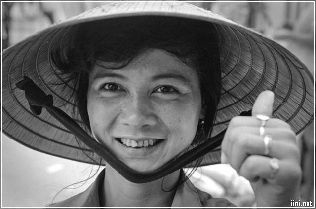 người phụ nữ Việt Nam rất bình dị