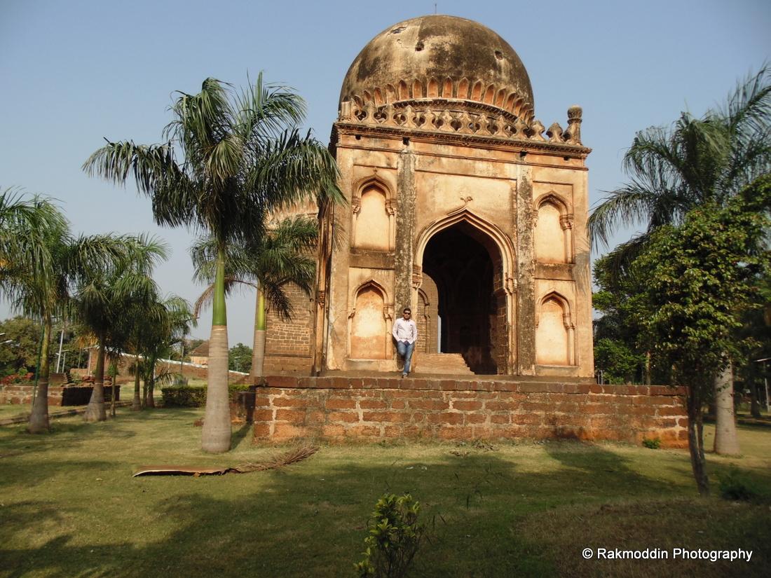 Barid Shahi Park – A great historical architecture in Bidar, Karnataka