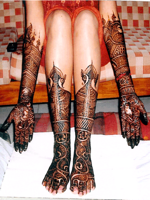Super Dulhan Mehndi Designs for Feet 2013