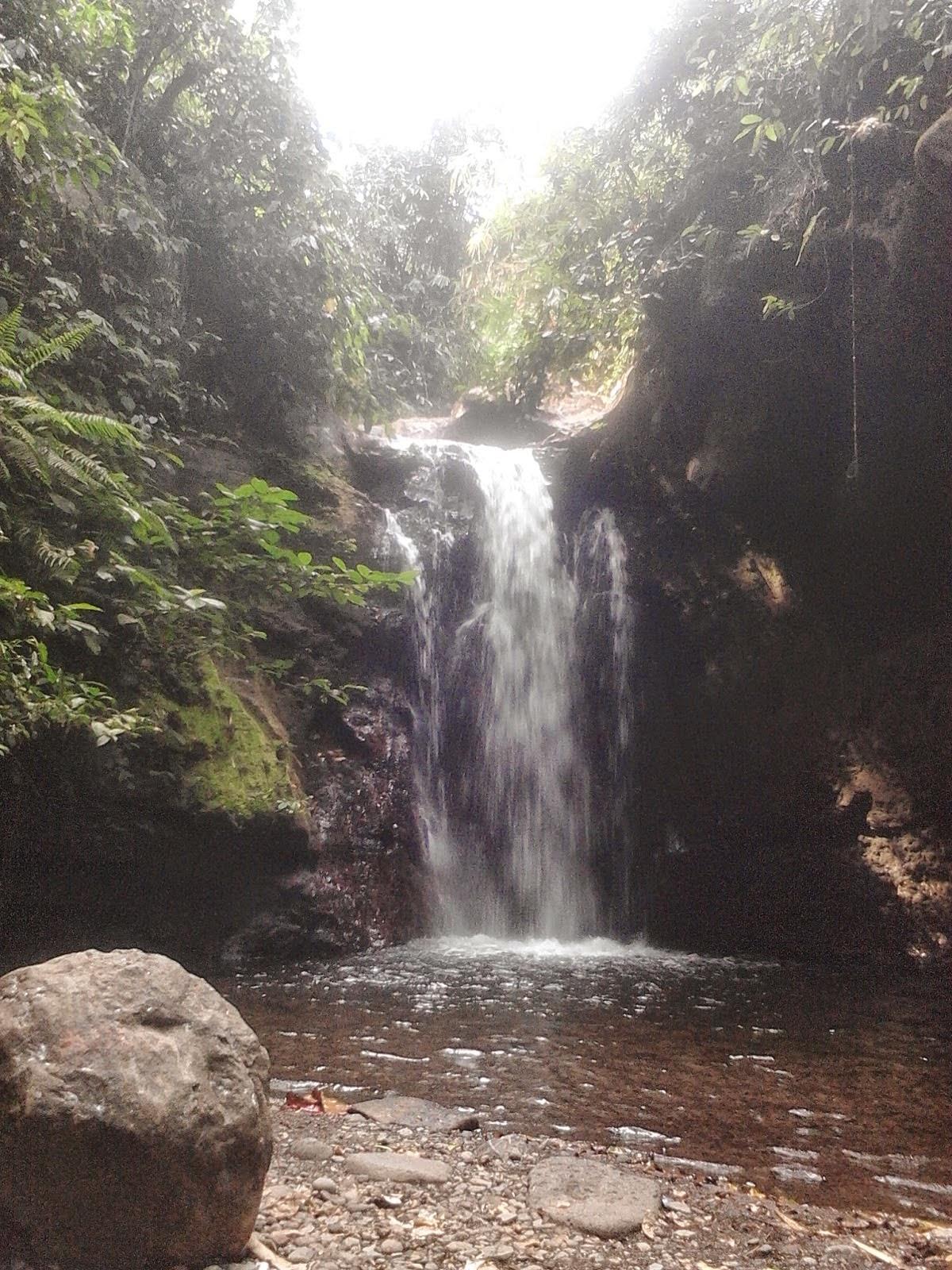 Air terjun Kalibendo, Kecamatan Glagah, Banyuwangi.