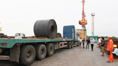 Giá bán và hàm lượng công nghệ trong sản phẩm thép Việt vẫn còn khoảng cách so với các nước. Ảnh: Lê Tiên