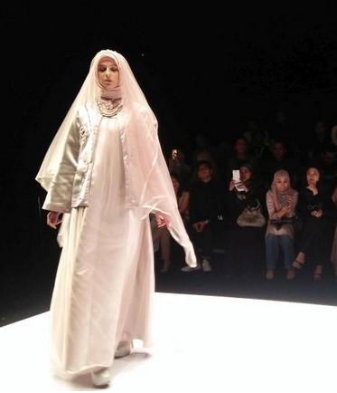 Busana Muslim Hijab Syari