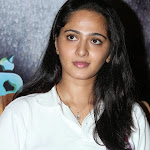 Anushka Shetty in tshirt without makeup