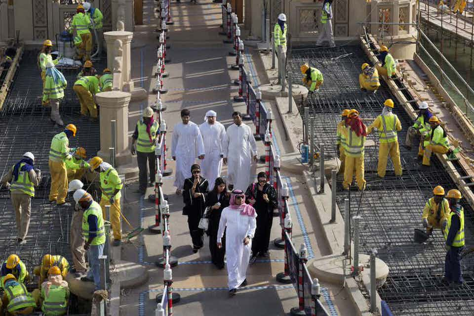Ο σκληρός ρατσισμός στο Ντουμπάι