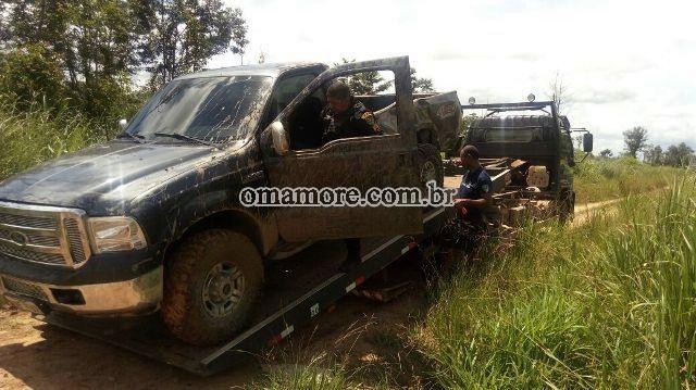 Policiais do 6º BPM recuperam caminhonete