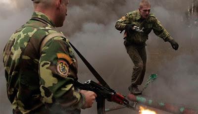 Latihan Berat Pasukan Baret Merah Belarusia