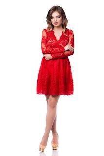 rochie-rosie-din-dantela-2