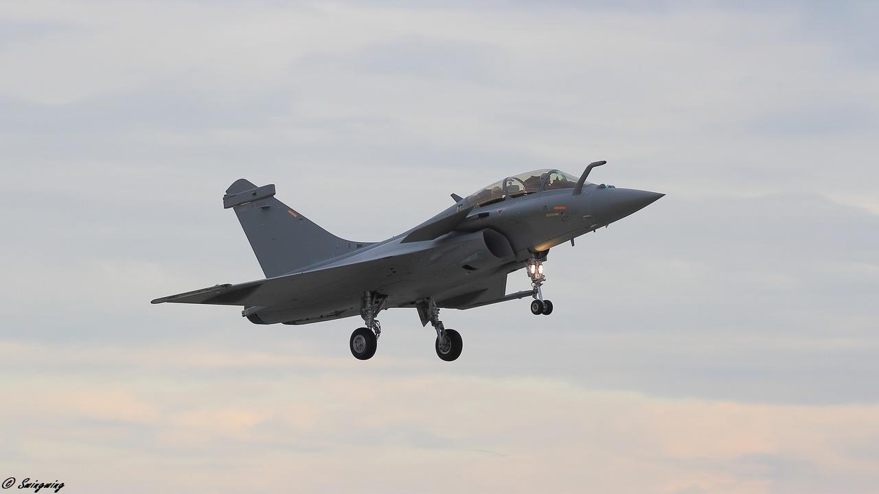 قائد القوات الجوية المصريه: استلام 8 طائرات رافال في 2017 وتنسيق مع «واشنطن» لتحديث الـ f16.. Ob_ecaf1d_dm16