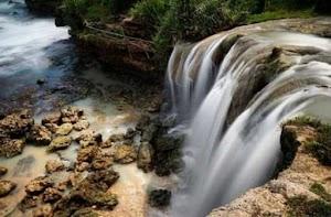 Wisata Air Terjun Pantai Jogan, Nikmati Kesegaran Mata Air Bukit Karst