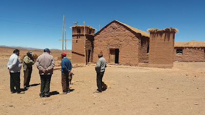 Die Kapelle wird von der ansaessigen Bergbaufirma renoviert