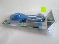 Verpackung: Health Enterprises - Läusekamm mit integriertem Licht, Vergrößerungslupe und auswechselbaren Metallzinken - Ideal zur Bekämpfung von Läusen, Nissen, Flöhen und Kopfläusen