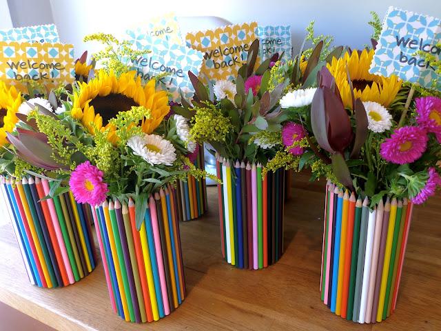 http://prazdnichnymir.ru/ Подарки на День Учителя: делаем праздник незабываемым!