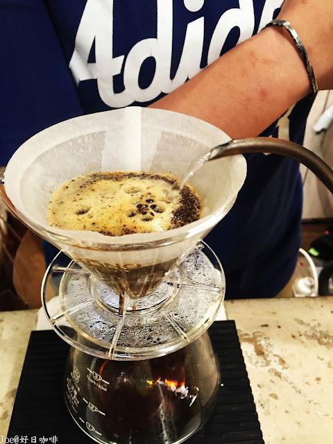 IMG 2846 - 【台中咖啡】設計師的咖啡夢『好日咖啡』讓學區裡的孩子有個好的放鬆去處@老厝咖啡@台中咖啡