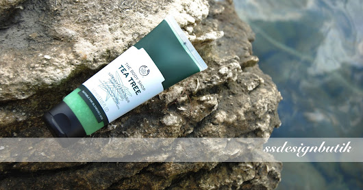 The Body Shop - Tea Tree Squeaky - Clean Scrub (Peeling)