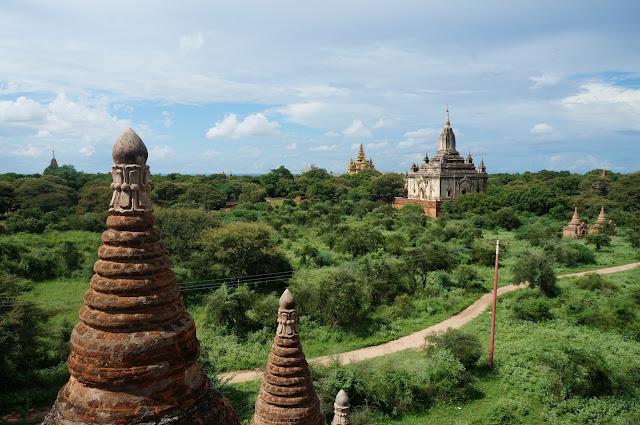 Menikmati indahnya candi dan kuil di Kota Tua Bagan