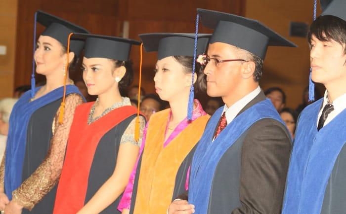 Gelar Sarjana Lebih Penting, Skill, Pengalaman