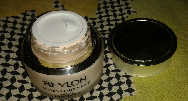 Revlon Moisturestay Liquid Foundation Review, Pictures and Swatches