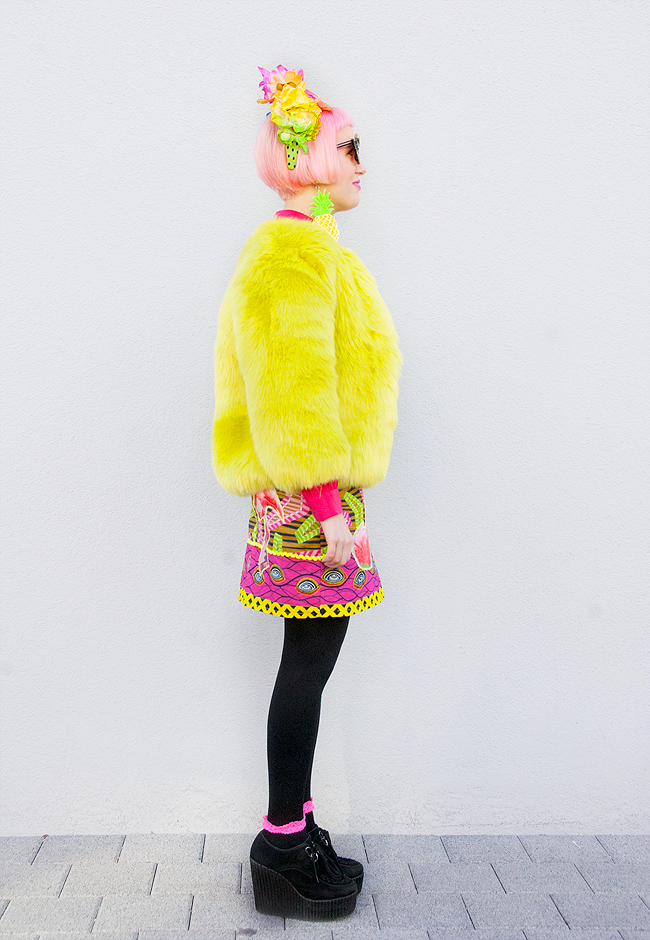 fluffy jacket, lime fur, rainbow look