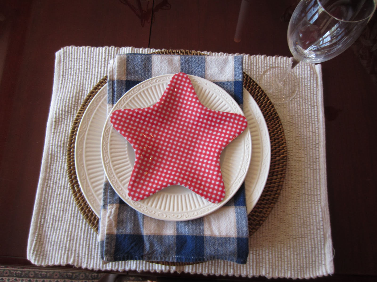 Simple Patriotic Table Setting