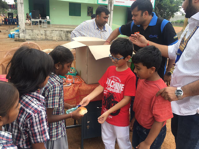 Round Table India distribute food among 70000 underprivileged kids in 20 cities