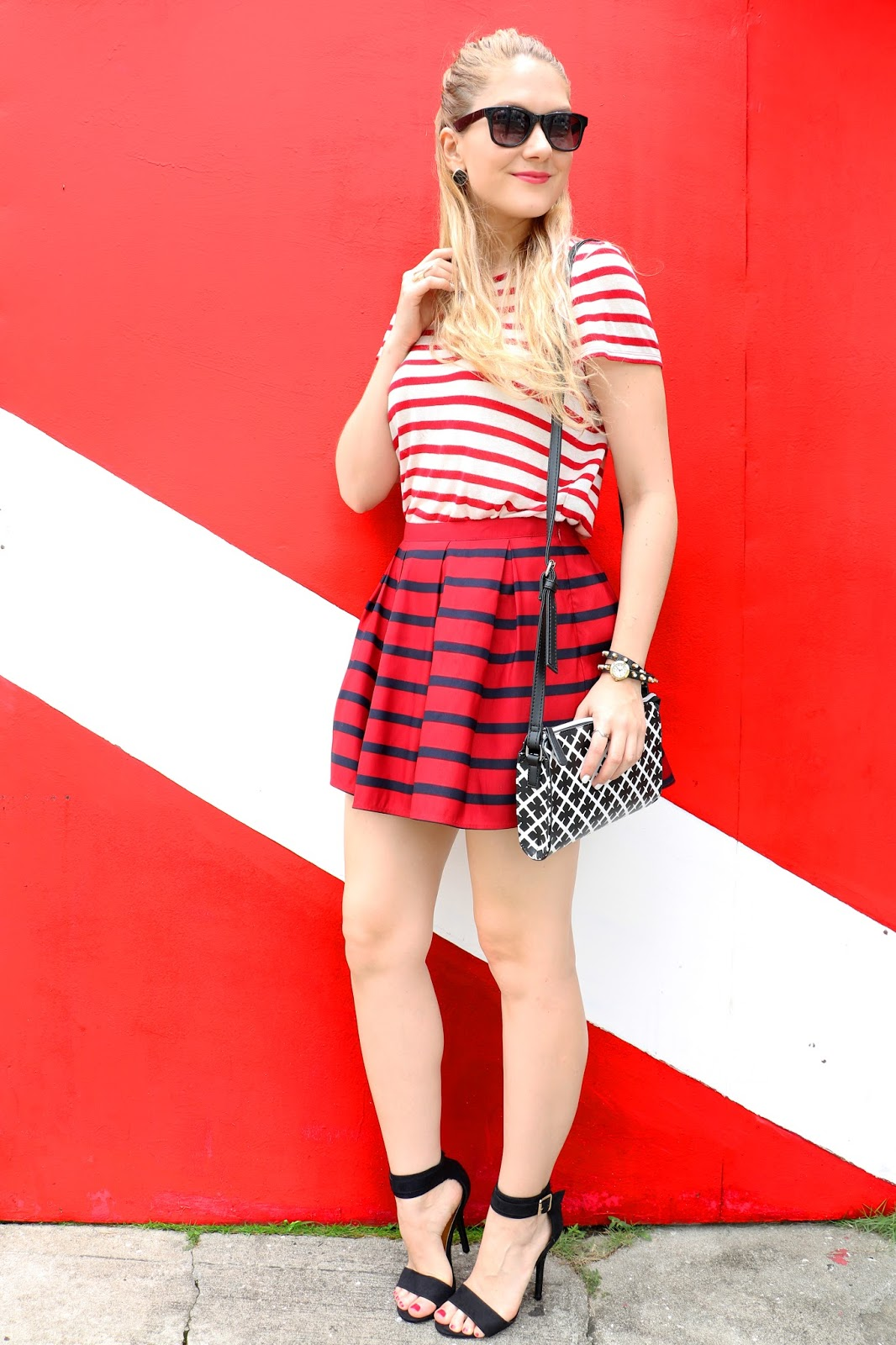 Love this outfit featuring lots of stripes!