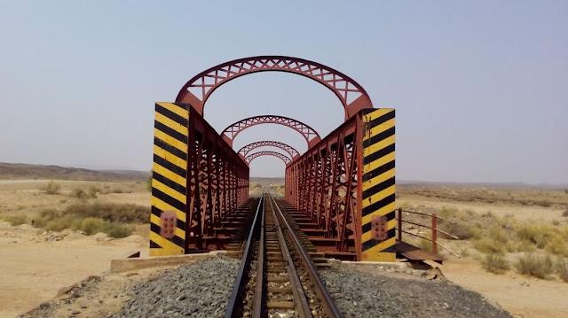 ponte ferroviario a Holoog