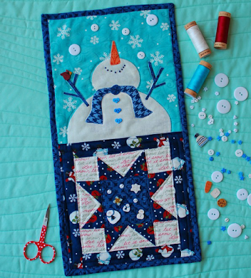 90dd6ffed80c2 Quilt Inspiration  Free pattern day ! Snowflake and Snowman quilts