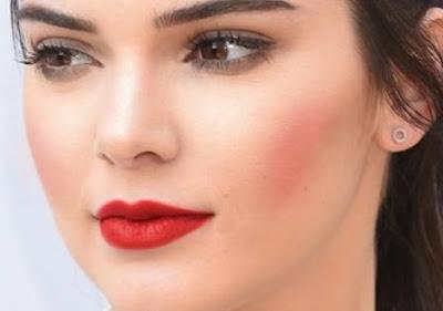 16 Cara Memerahkan Bibir Secara Alami Dan Cepat