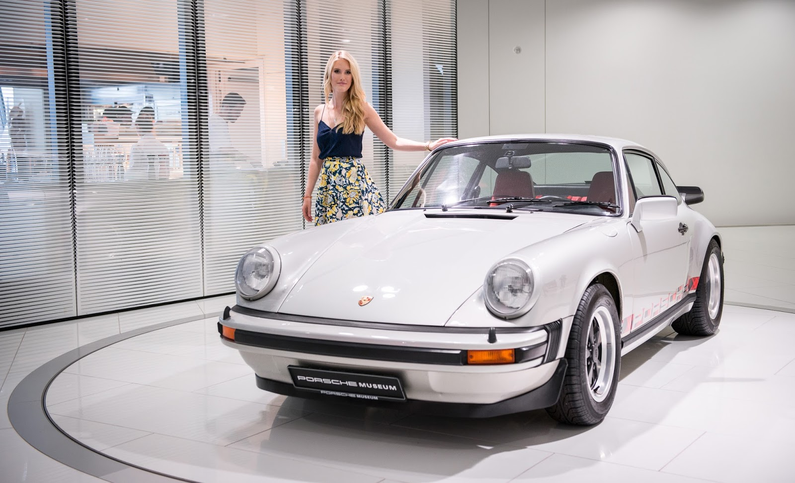 Porsche Museum silber Fifties 50s Midi Rock 911 Carrera GBN Trends