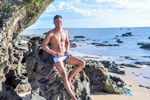 Silvio Vieira, Mister Pará Mercosul 2017, posa para ensaio à beira mar