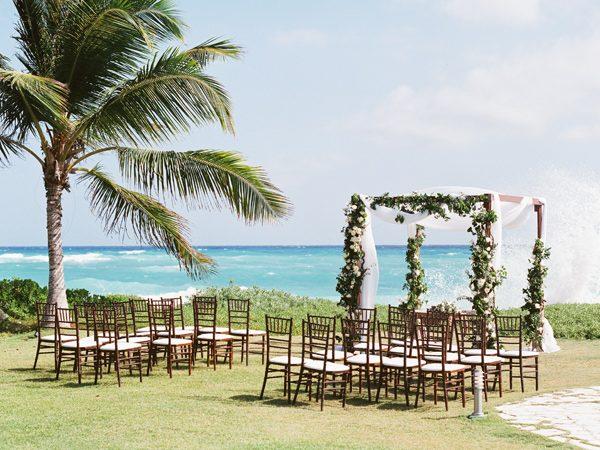 Una boda en tonos dorados en chicanddeco