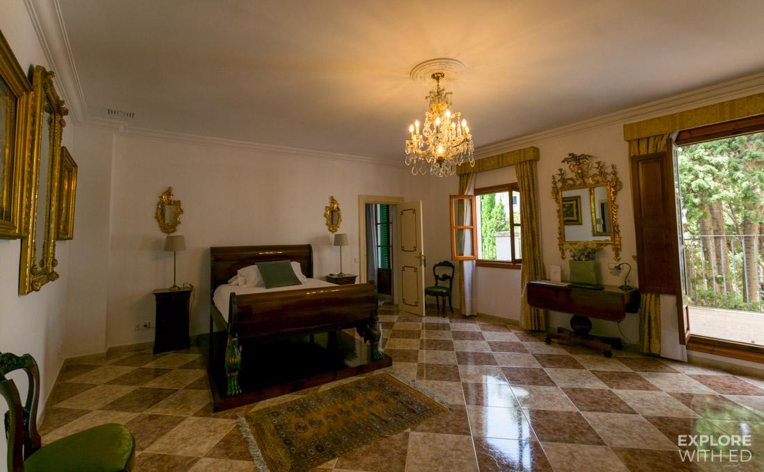 Casa Delmonte Hotel Triple Room