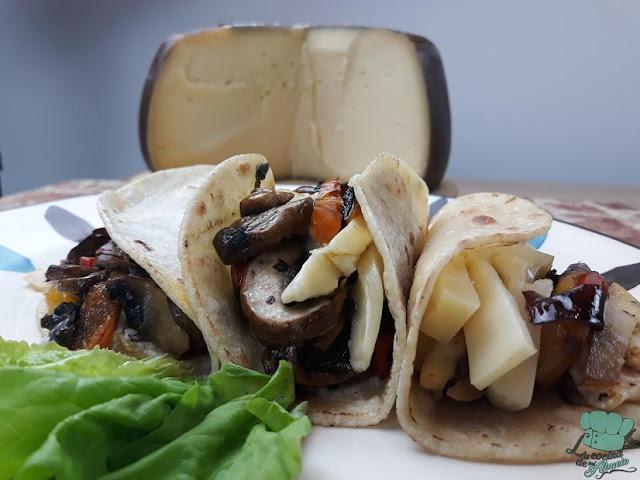 Receta: Taco de verduras con queso y huevo