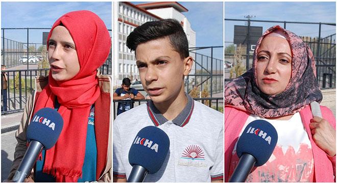 Ders kitaplarını alamayan Diyarbakır GAP Karaçalı Anadolu Lisesi öğrenci ve velilerinden tepki