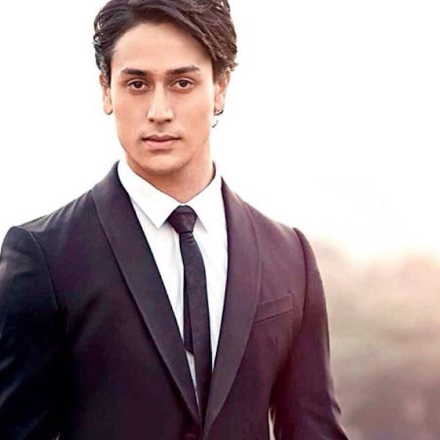 Tiger shroff Wiki,New movies,Photos,age,upcoming movie,images,dance,new songs,biography