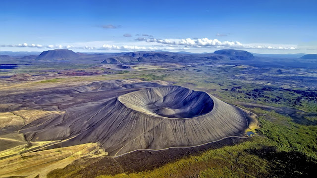 What Is the Difference Between Active and Dormant Volcanoes?