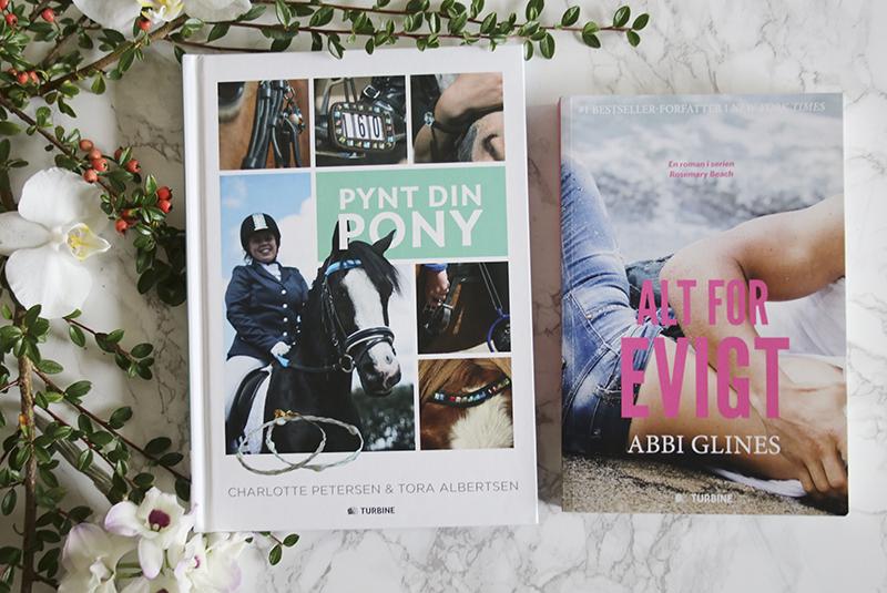 3e39c044a15 Sidst men bestemt ikke mindst. To bøger fra arbejdet. Pynt din pony og Alt  for evigt som jeg har designet forsider til. Og indmad i Pynt din pony.