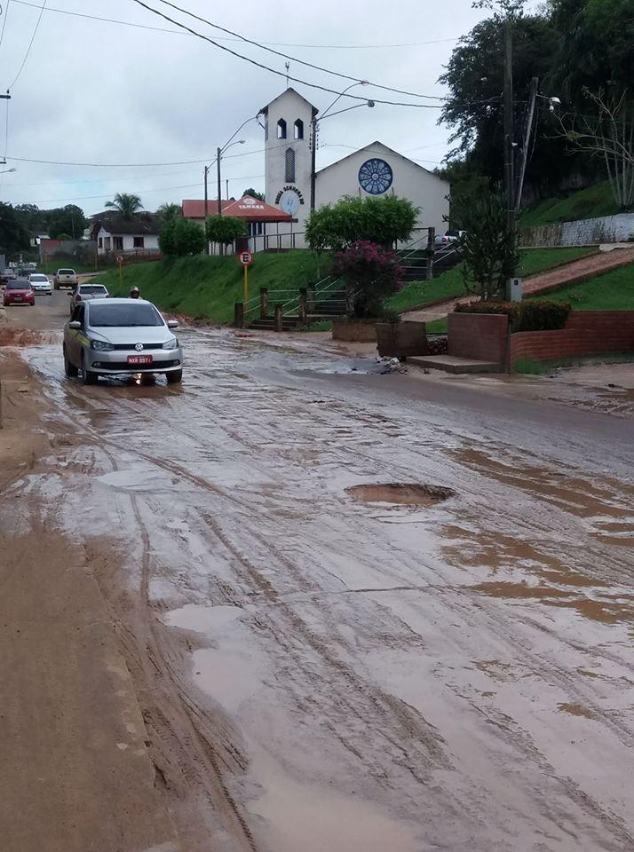 Descaso com a população: Situação da Avenida COPACABANA