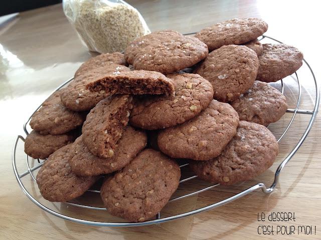 http://ledessertcestpourmoi.blogspot.com/2016/06/cookies-aux-flocons-davoine-et-au.html
