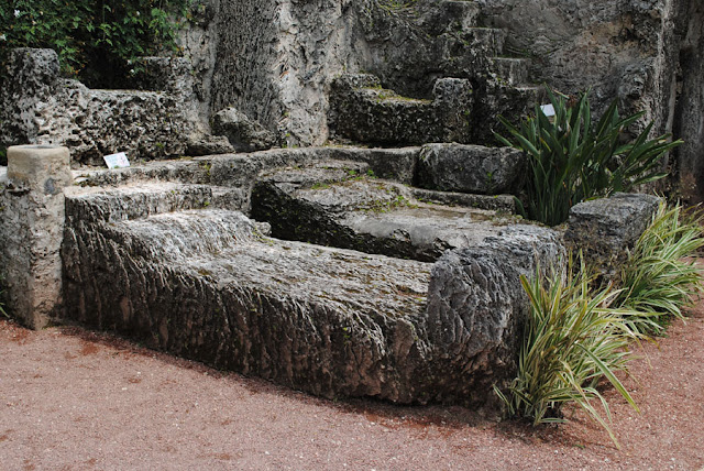 Coral Castle bed