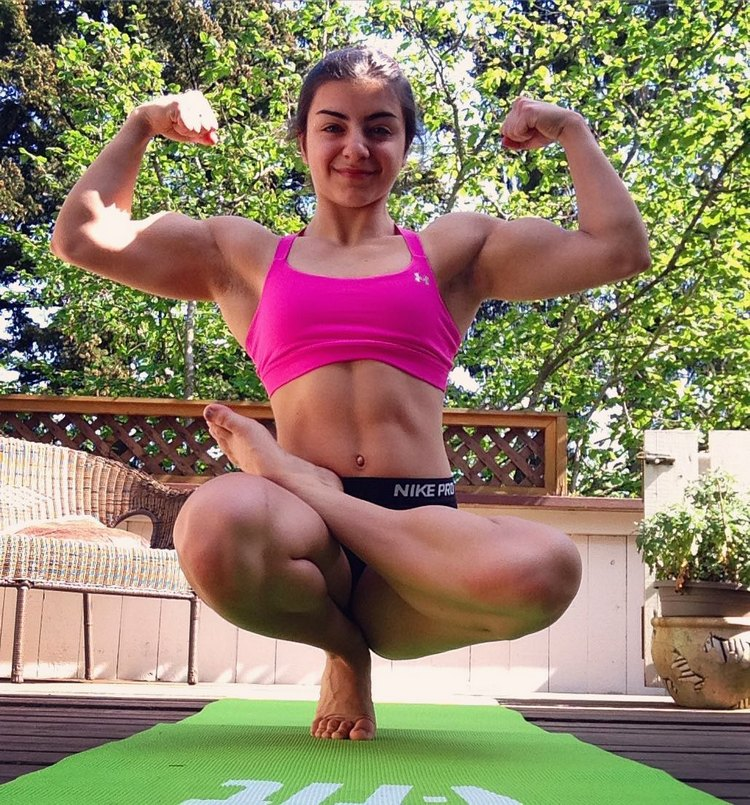 Tessa Barresi muscle girl