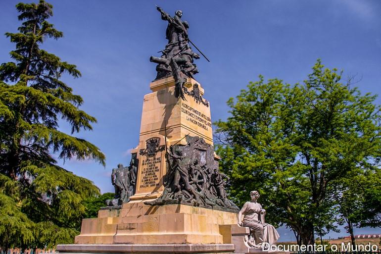 Monumento Comemorativo aos Heróis do 2 de Maio; Alcázar de Segóvia