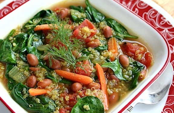Low Calorie Pink Bean, Quinoa, and Spinach Soup #healthysouprecipe