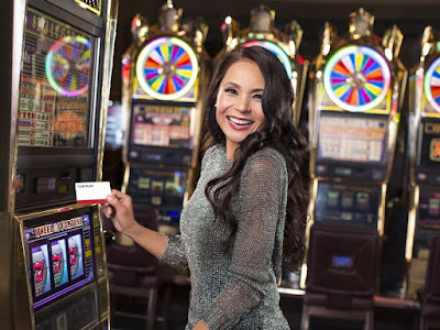 A Brief Guide About How to Play Slot Machines and Win Big