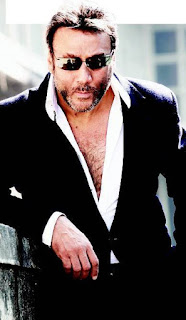 Jackie Shroff wife, daughter, movies, age, family, son, house, biography, first movie, date of birth, tiger shroff, actor, young, religion, mother, caste, children name, brother