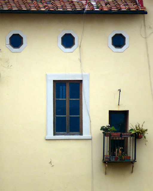 Window and balcony on the Fosso Reale (Royal Canal), Livorno