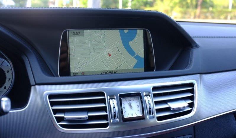 Nội thất xe Mercedes Benz E400 AMG cũ 2013 màu đen 05