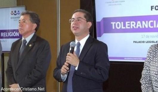 Hugo Erick Flores pide políticos temerosos de Dios